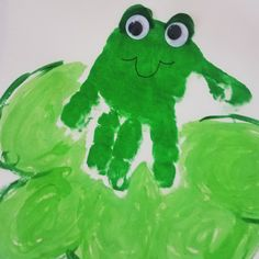 Frog on a lily pad hand print easy spring craft for kids Kids Fun, Cool Kids, Spring Arts And Crafts, Lily Pad, Grand Kids, Art Activities, Water, Easy, Water Water