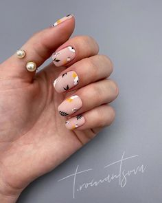 How To Do Chic Natural Short nails Design For Summer Nails – Latest Fashion Trends For Woman – neon nail art Neon Nail Art, Neon Nails, Nail Pink, Cute Nails, Pretty Nails, Burgundy Nail Polish, Nail Problems, Nails Now, Nagellack Trends