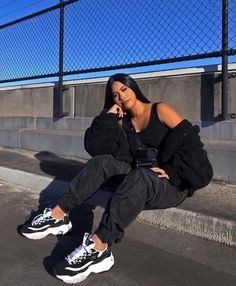 👟👟( 'Skechers D'lites 3 women's' from Josette) Source by Shoes everyday Classy Outfit, Cute Casual Outfits, Girl Outfits, Fashion Outfits, Summer Outfits, Modest Outfits, Modest Fashion, Feminine Fashion, Swag Outfits