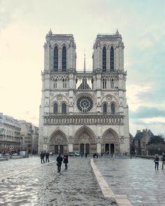 Notre Dame. ❥Pinterest: yarenak67                                                                                                                                                                                 More