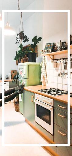 Küche Neukölln in schöner - Ideas About The Code On Deck Railings Article Body: The code on deck rai Kitchen Furniture, Kitchen Interior, Kitchen Decor, Eclectic Kitchen, Küchen Design, House Design, Cocina Diy, Smart Kitchen, New Kitchen Cabinets