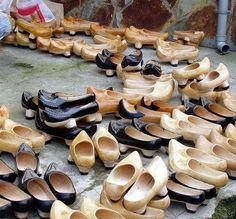 Zocas or Socas, The Traditional FootWear in Gallaecia