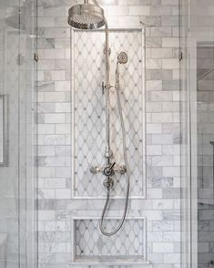 bathroom shower Delightful Traditional Bathroom Design Ideas To Not Miss Modern Bathroom Design, Bathroom Interior Design, Best Kitchen Design, Walk In Shower Designs, Shower Tile Designs, Bathroom Designs, Steam Showers Bathroom, Tiled Showers, Décor Boho