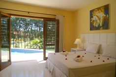 There is nothing to miss in these big and beautiful bedrooms with balcony, nice view, air condition and kingsize bed.