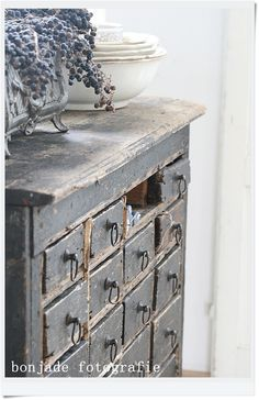 This apothecary chest is awesome!