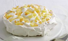 Mary Berry Special: Pineapple and ginger pavlova