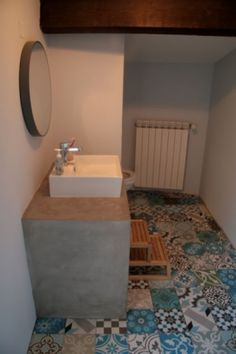 Cement Tiles Bathroom, Wall Tiles, Stone Cladding, Moroccan Tiles, Bathroom Kids, House Front, Building A House, Tile Floor, Scrappy Quilts