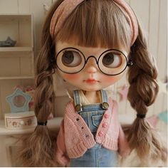 *** Custom Blythe *** braid glasses *** Buy her here: Ooak Dolls, Blythe Dolls, Barbie Dolls, Cute Baby Dolls, Kawaii Doll, Foto Baby, Little Doll, Custom Dolls, Ball Jointed Dolls