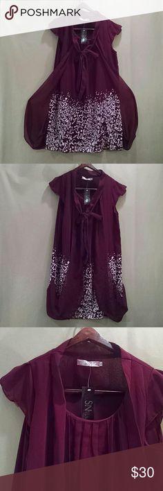 Nadasha SL Collection tunic dress with scarf Shear lining , short sleeve& round neckline. Size  Juniors xl. Nadasha SN Collection Dresses