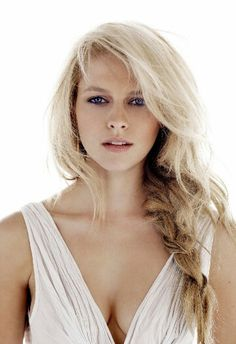 Teresa Palmer would make a great Tessa!
