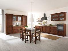 Una cucina che può essere interpretata in chiave classica, la sua versione naturale, ma anche in stile contemporaneo con una bellezza che saprà sorprendere. Una cucina solida, in legno massello in tre nuove finiture con cinque calde tonalità. FOTO 8/8