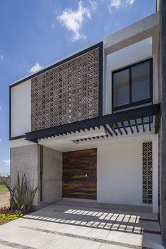 Minimalist Architecture, Facade Architecture, Modern Exterior, Interior And Exterior, Facade Design, House Design, Living Room Partition Design, Spanish House, House Entrance