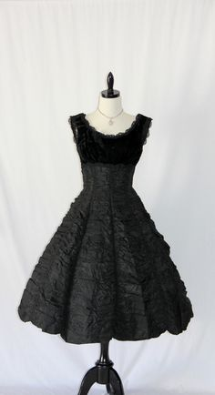 Vintage Dress - 1950's This dress may be old but it's stunning
