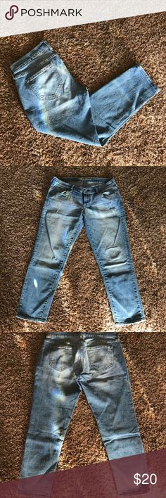 Blue Jeans Boyfriend cut jeans.  Has details that are pictured.  My be rolled up to crop or make a capri. Old Navy Jeans