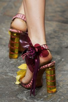 Missoni Spring 2012 flirty flower Heels. The front view is even nicer.