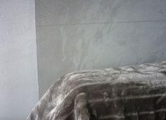 Skoro w Stodole przestój, Kicior robi masę innych rzeczy. Nagroda od Muratora jeszcze nie dotarła, więc poprzedzę tę notkę o noszeniu płyt MFP instrukcją jak zrobić sobie ścianę z betonu. Uwaga! Ni...