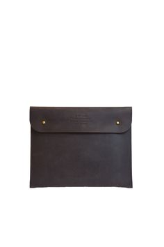 Our iPad Sleeve is not just gorgeous, but good for the planet too! The iPad Sleeve is a chic way to look after your favorite gadget. O My Bag http://www.omybag.nl/shop/all-2/ipad-sleeve-eco-dark-brown/