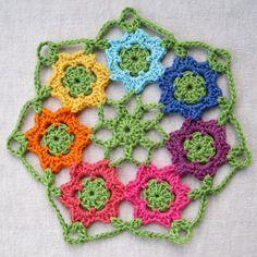 April Garden Motif and Doily ~ A Free Crochet Pattern ✿Teresa Restegui http://www.pinterest.com/teretegui/✿