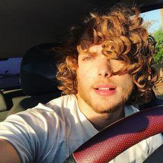 "2,660 Likes, 30 Comments - Mister Goiânia 2017 (@yurildiaz) on Instagram: ""✌️vitamina ""D"" #selfie"""
