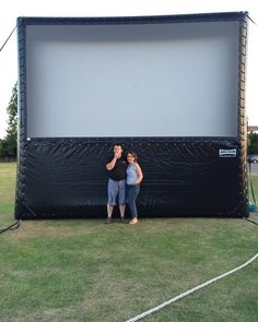 Open Air Cinema e offer large outdoor inflatable projection screens for outside cinema events and film screenings. We provide for hire high quality visuals and outstanding sound systems depending on your needs . We are a UK open air cinema company. We can provide screen sizes from 16ft to 40ft with a choice of projectors from full HD projectors to 35mm cinema projectors. We supply sound systems to cater for different audience sizes.