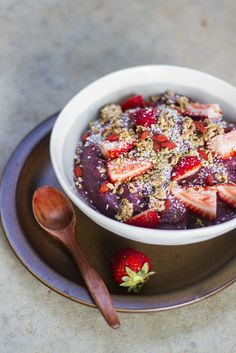 Jumpstart your morning with a fresh Açai Smoothie Bowl.