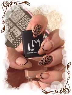 Stamping animal avec les plaques Stamping Nail France Plus d'infos et de photos sur le blog : http://anthea-nail-art.over-blog.com/2015/11/stamping-animal-de-rio.html