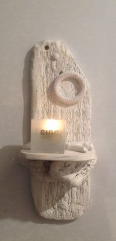 Driftwood sconce. Candle holder. Art, Crafts, Sculpture. Wall hanging. Isn't this cute and so simple ?? (: ♥