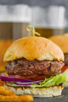 This Hamburger Seasoning comes together with simple ingredients that you can already find in your pantry. Add it to your hamburger patties for the best hamburger seasoning! Make a big batch and have it on hand all grilling seasoning. Hamburger Seasoning Recipe, Hamburger Recipes, Seasoning Mixes, Crockpot Recipes, Cooking Recipes, Hamburger Spices, Hamburger Casserole, Crock Pot Sweet Potatoes, Party Sandwiches