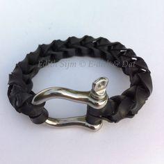 Armband gemaakt van fietsbanden en harpsluiting door E-Dith & Dat
