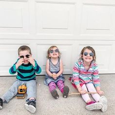 These iconic, round Picklez Ziggy kids' sunglasses with a pronounced bridge and adjustable nose pads will keep your little one at the top of their fashion game. Discount Eyeglass Frames, Discount Eyeglasses, Kids Glasses, Eyewear Online, Online Discount, Glasses Online, Fashion Games, Tween, Hipster