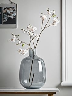 Moody Monday: Transitional Coastal Design, Home Accessories, NEW Faux Blush Cherry Blossom Spray. Vases Decor, Plant Decor, Room With Plants, White Vases, Ikebana, Deco Table, Home Decor Accessories, Flower Vases, Floral Arrangements