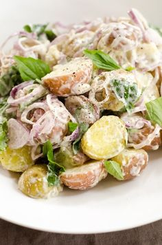 Recipe: Mixed New Potato Salad with Basil and Shallots — Side Dish Recipes from The Kitchn Side Dish Recipes, Side Dishes, New Potato Salads, Shallot Recipes, Chou Rave, Recipe Mix, Simply Recipes, Barbecue Recipes, The Fresh