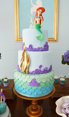 Little Big Company The blog: Gorgeous Mermaid Party by Invento Festa #MermaidCake