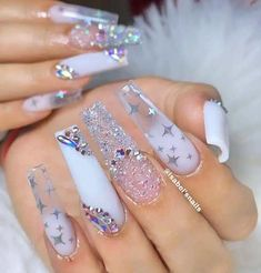 Are you looking for long nail art? See our interesting collection of long nail designs. If you are someone who likes long nail art, here are the long nail art designs you like, choose some designs you like and try. Bling Nails, Swag Nails, My Nails, Shellac Nails, Glow Nails, Sparkle Nails, Nail Nail, Cute Acrylic Nail Designs, Long Nail Designs