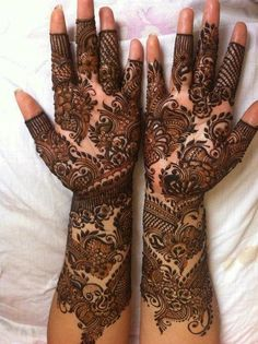 Henna mehndi designs for hands are popular in the whole World. Henna mehndi designs are available in wide range of designs and styles. These henna mehndi Henna Hand Designs, Dulhan Mehndi Designs, Mehandi Designs, Mehendi, Modern Mehndi Designs, Mehndi Design Pictures, Wedding Mehndi Designs, Beautiful Mehndi Design, Latest Mehndi Designs