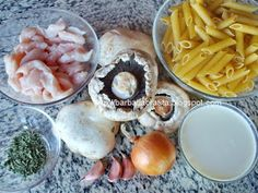 Paste cu pui si ciuperci Ingrediente Meat, Chicken, Food, Meals, Yemek, Buffalo Chicken, Eten, Rooster