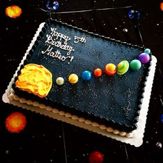 Solar system cake by Safeway planets from Diddams Happy Birthday Parties, 11th Birthday, Themed Birthday Cakes, Birthday Party Themes, Bolo Do Sistema Solar, Solar System Cake, Galaxy Cake, Cupcake Cakes, Cupcakes