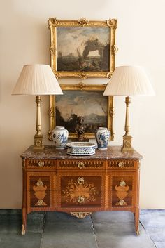 Antique French Furniture, Antique Interior, French Decor, French Country Decorating, Traditional Decor, Traditional House, Foyer Decorating, Classic Interior, Entryway Decor