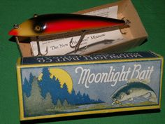A complete photo reference to Moonlight Bait Company antique fishing lures;