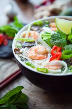 Chinese soup: how to make a Chinese soup? Recipe - Chinese soup: how to make a Chinese soup? Chinese Soup Recipes, Indian Veg Recipes, Healthy Soup Recipes, Spicy Recipes, Asian Recipes, Mexican Food Recipes, Ethnic Recipes, Eat Healthy, Beef Recipes