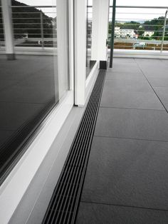 The use of drainage channels enables barrier-free access to terraces - Terasa - Balkon