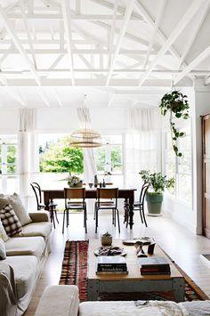 white_living_room2_ACS0316_ruscoe_misko