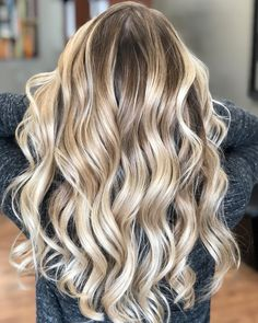 """700 Likes, 16 Comments - Amy (@camouflageandbalayage) on Instagram: """"Sessions... she's a natural Level 7 ... 16 weeks between visits. She doesn't want to be white just…"""""""