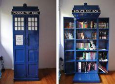 Tardis-Bookshelf.jpg (572×418)