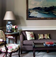 Nina Campbell Interiors- timeless and lovely Grey Interiors, Nina Campbell, Front Rooms, Living Styles, Classic Interior, Rose Cottage, Drawing Room, Interior Design Inspiration, Modern Classic