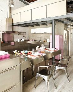 stainless table  Gild and Grace: Stylish warehouse loft