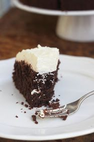 Niesamowicie pyszne, intensywnie czekoladowe ciasto, które z całą pewnością przypadnie do gustu wielbicielom czekoladowych wypieków. Napra...