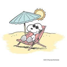 Everyone likes the beach! Snoopy Love, Snoopy And Woodstock, Snoopy Hug, Peanuts Cartoon, Peanuts Snoopy, Peanuts Characters, Cartoon Characters, Snoopy Clip Art, Snoopy Quotes