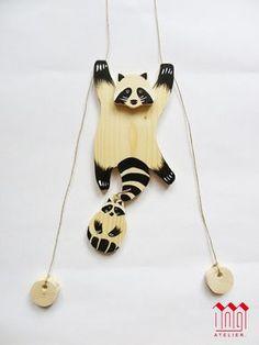 Jeu de l'animal grimpeur en bois, le raton-laveur Cardboard Toys, Paper Toys, Wood Crafts, Diy And Crafts, Paper Crafts, Diy Handmade Toys, Marionette, Wood Animal, Eco Friendly Toys