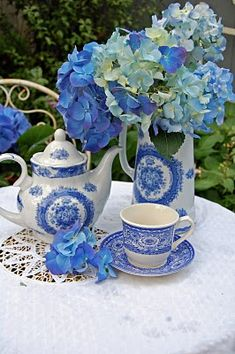 Blue and white Garden Party